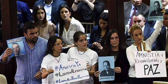 Parlamento de Venezuela aprueba en primer debate ley de amnistía
