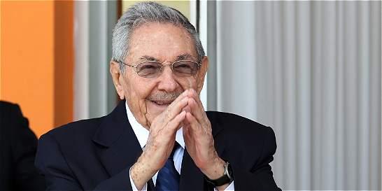Cuba concede permiso a siete disidentes para viajar al extranjero