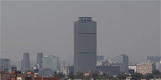 Conductores mexicanos protestan por medidas contra polución