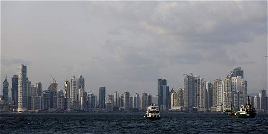 Panamá se compromete con Francia a cooperar contra blanqueo de dinero