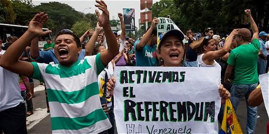 Oposición venezolana acelera la revocatoria de mandato de Maduro