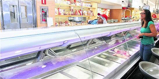 Por crisis económica, venezolanos comen cada vez menos carnes