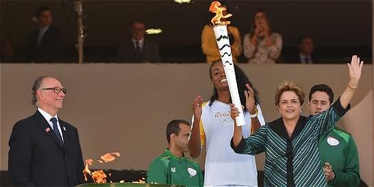 Rousseff promete Olimpíadas exitosas pese a periodo crítico de Brasil