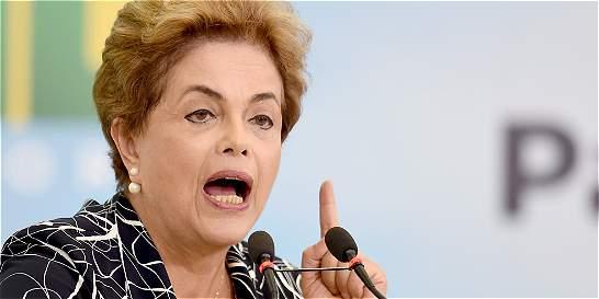 El Salvador dice que no reconoce al nuevo gobierno de Brasil