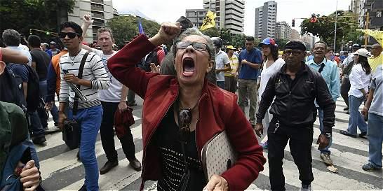 Impiden a oposición venezolana marchar por la revocatoria de Maduro