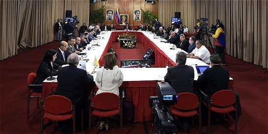 Gobierno venezolano y la oposición se reunieron en R. Dominicana