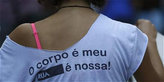 Violación colectiva en Brasil fue cometida por dos grupos distintos