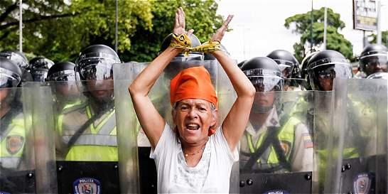 Tras protestas, CNE aprueba seguir proceso revocatorio en Venezuela