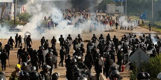 Protestas por reforma educativa dejan ocho muertos en México