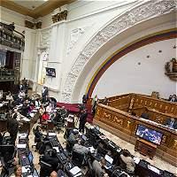 Chavismo planea pedir a corte disolución de Parlamento en Venezuela