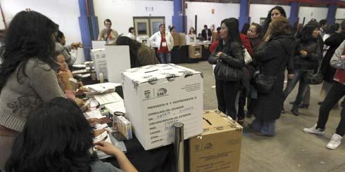 Exfuncionario de Correa denuncia fraude electoral en 2014