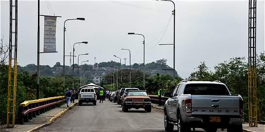 Venezolanos podrán cruzar frontera por 12 horas para abastecerse