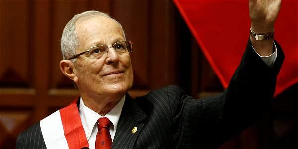 Peru: Pedro Pablo Kuczynski asume la presidencia de Perú con varios retos