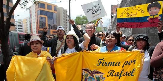 Los juegos electorales para que Correa pueda ser candidato otra vez