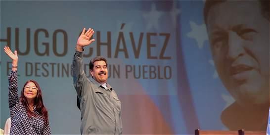Maduro anuncia que Venezuela hará serie y película de Hugo Chávez