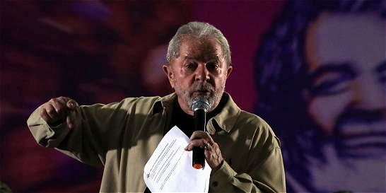 Lula es acusado de beneficiarse de sobornos y Dilma sigue en juicio