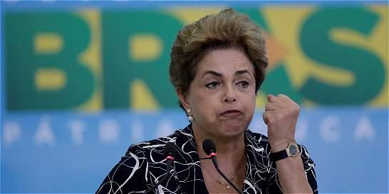 Rousseff se presenta ante Senado para defenderse en juicio político