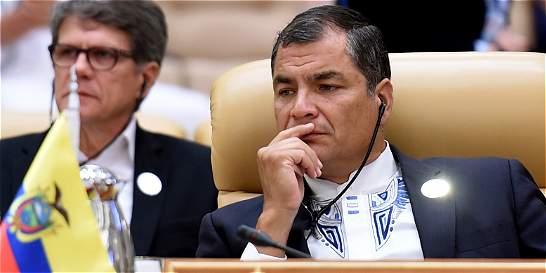 Presidente Rafael Correa acude a jueza para que militares lo respeten