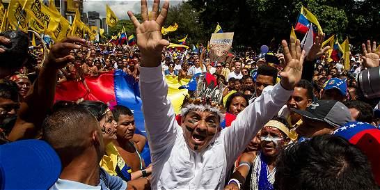 Sigue el pulso callejero entre el chavismo y la oposición en Venezuela