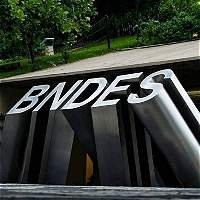 Policía de Brasil investiga contratos ilícitos de banco público BNDES