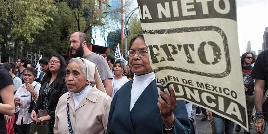 Miles de mexicanos protestan y piden salida de presidente Peña Nieto