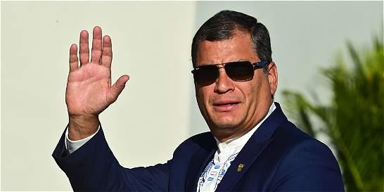 Desisten de consulta a favor de reelección de Rafael Correa en Ecuador