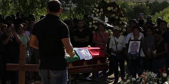 A comandante de policía en sur de México lo habría asesinado su hijo