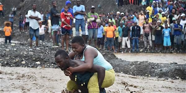 El huracán Matthew deja huellas de destrucción en Haití