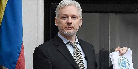 Ecuador admitió que restringió internet a Julián Assange