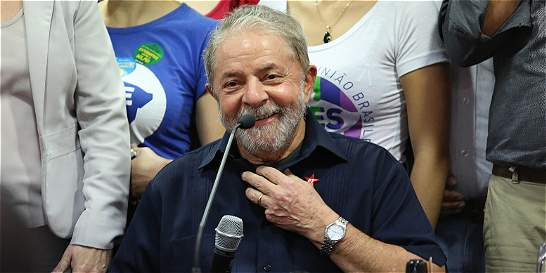 Expresidente de Brasil Lula da Silva denuncia 'persecución política'