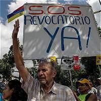 Anulan en dos estados venezolanos recolección de firmas para referendo