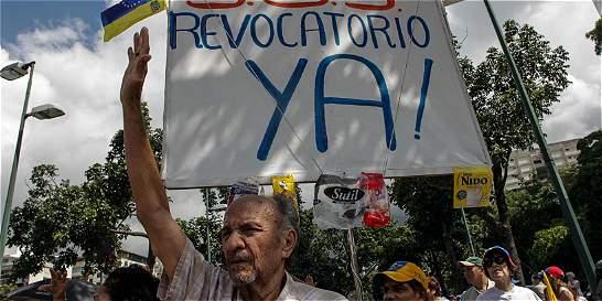 Suspenden recolección de firmas para convocar a referendo en Venezuela