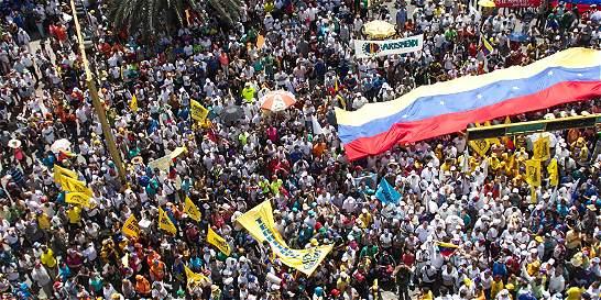 Militares tomarán empresas que acojan huelga de oposición en Venezuela