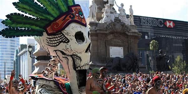 México celebra por primera vez el Desfile del Día de los Muertos