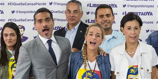 Oposición de Venezuela vuelve a la calle a pesar del diálogo