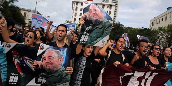 Ejército cubano le tributará salvas de artillería hasta el sábado — Fidel Castro