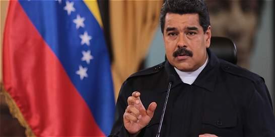 Maduro extiende cierre de frontera con Colombia por 72 horas más