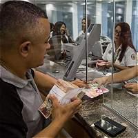Un mes después, los billetes nuevos están en calles venezolanas