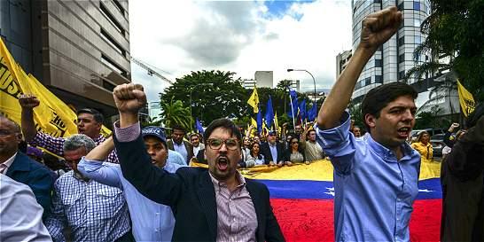 La 'implosión' de la oposición venezolana