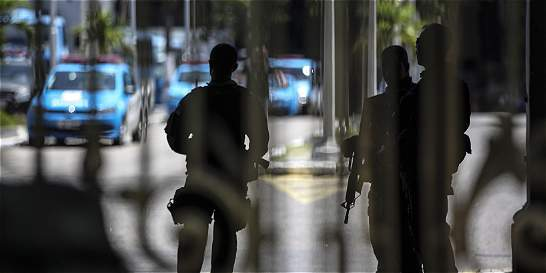 Ante protesta policial, militares patrullarán calles de Río de Janeiro
