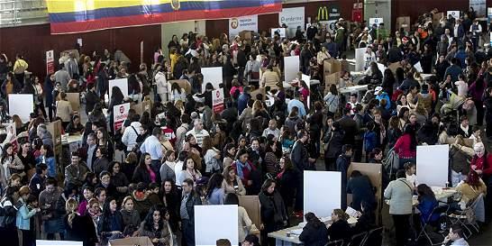 Abren los centros de votación en Ecuador