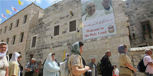A pocos días de la visita del Papa, mensajes de odio han sido pintados en muros de Jerusalén.