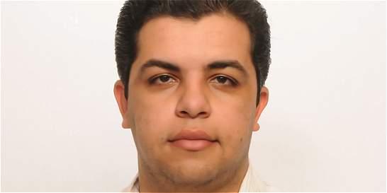 Fiscalía egipcia deja en libertad a periodista en huelga de hambre