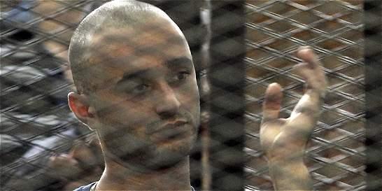 Egipto condena a cadena perpetua a un bloguero y otras 229 personas