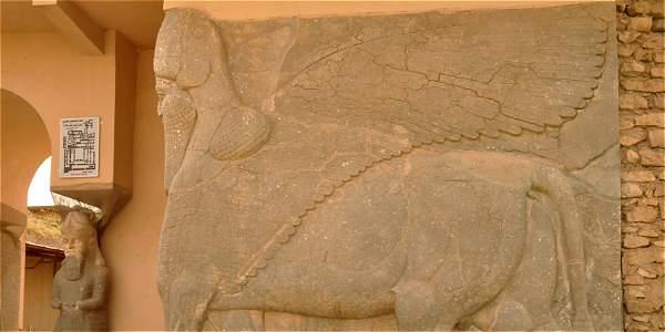 No se conocen fotos de la destrucción en Nimrud, pero estos son algunos de sus tesoros arqueológicos de miles de años.