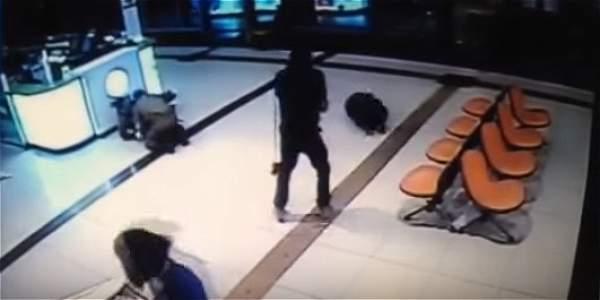 Joven palestino mato a un soldado y apuñalo 11 israelíes