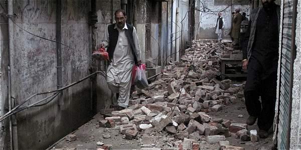 Un terremoto de magnitud 7,5 sacude Afganistán, Pakistán y el norte de la India IMAGEN-16413271-2