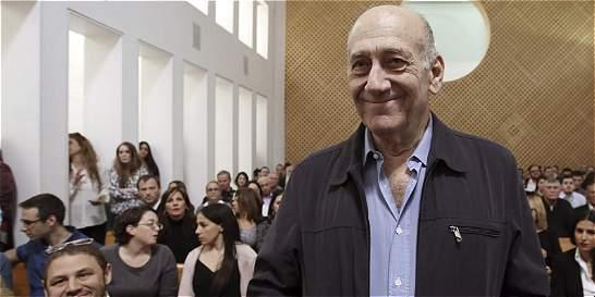 Ex primer ministro israelí Olmert irá a la cárcel por corrupción