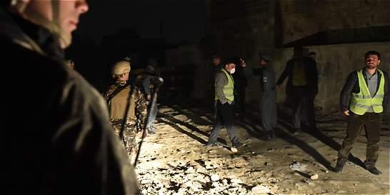 Ataque suicida en Afganistán deja dos muertos y 15 heridos