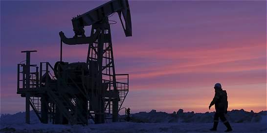 Por qué es difícil que el precio del petróleo suba a niveles del 2014